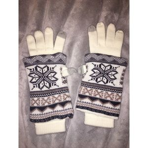 White & Patterned Gloves/Mittens & Arm Warmers